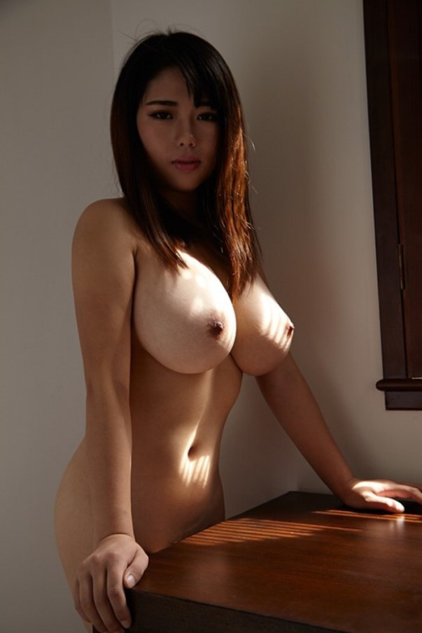Busty chinese nude beauties